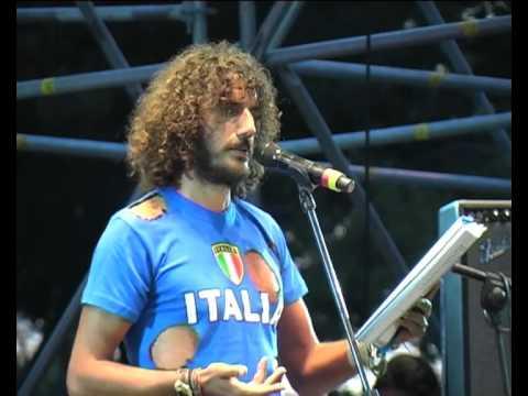 ANDREA RIVERA - Poesia per Bossi - NOBDAY2 - POPOLO VIOLA - 2 ottobre 2010