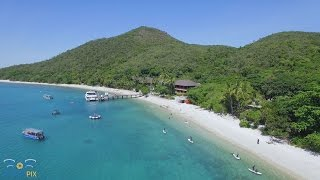 Nice flight around Fitzroy and little Fitzroy Islands with the Phantom Quadcopter out from Cairns, Queensland and the Great Barrier Reef.