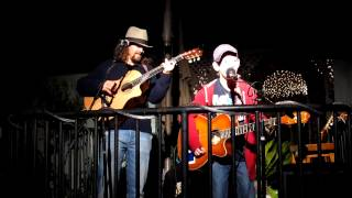Ian and Jason Mraz performing Halfway Home at Hill Street Cafe