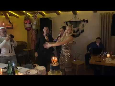 SVE U ZLATU: Milica Todorović proslavila 30. rođendan