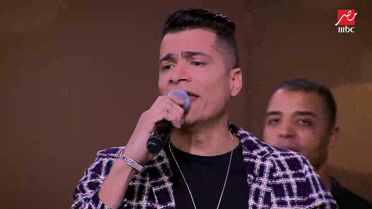 حسن شاكوش يغني لأول مرة مهرجان  بنت الجيران  لايف