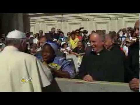 Nansen Refugee Award: Pope Francis meets Sister Angélique