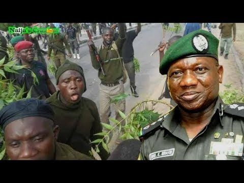 PROTEST! Nigerian Policemen Accuse IGP Transmission Of Stealing Wages
