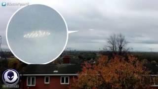 Science and Technology: Nghi vấn xuất hiện UFO bay nhanh gấp 100 lần máy bayMột clip quay cảnh UFO được cho rằng bay nhanh gấp 100 lần máy bay thông thường, đang bay trên bầu trời đêm Australia.Clip này được chia sẻ trên kênh Secure Team 10 trên Youtube vào ngày 18/5.----------------------------------------------------------------------------------------------------------Hãy đến với ''Science and Technology'' - Kênh thông tin về lĩnh vực khoa học công nghệ và môi trường trong nước cũng như quốc tế nhằm phổ biến và phục vụ cho tất cả mọi người có niềm đam mê và yêu thích khoa học.Đây là nơi giúp chúng ta có thể hệ thống hóa lại một phần các kiến thức và thông tin KH&CN.  Là nơi chia sẻ cung cấp các thông tin mới nhất nhanh nhất nhằm tạo điều kiện thuận lợi cho việc nghiên cứu, học tập, tìm hiểu về KH&CN của quí vị và các bạn.----------------------------------------------------------------------------------------------------------Click để xem tất cả các clip Science and Technology:    *Trên kênh Youtobe: https://goo.gl/cyfqhy *Trên vòng kết nối của Google+: https://goo.gl/Y5eOCw *Các bạn cũng có thể tìm thấy các video hay của chúng tôi trên twitter: https://twitter.com/bonho_mr--------------------------------------------------------------------------------------------------------Mời các bạn cùng theo dõi và bình luận góp ý ủng hộ cho Science and Technology.Subscribe https://goo.gl/cyfqhy