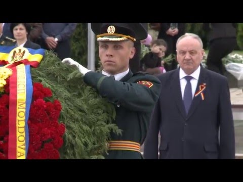 Moldovan president commemorates World War II victims
