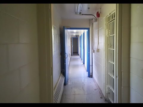 Mcmenamins Edgefield Jailhouse (Multnomah County Poor Farm) (видео)