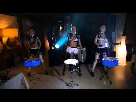 Лезгинка в подарок от барабанщиц extravaganza