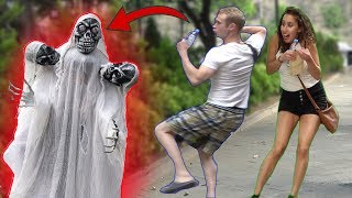 Video Three Head Skeleton Ghost Scary PRANK 👻 - AWESOME REACTIONS  - Best of Just For Laughs MP3, 3GP, MP4, WEBM, AVI, FLV Agustus 2019