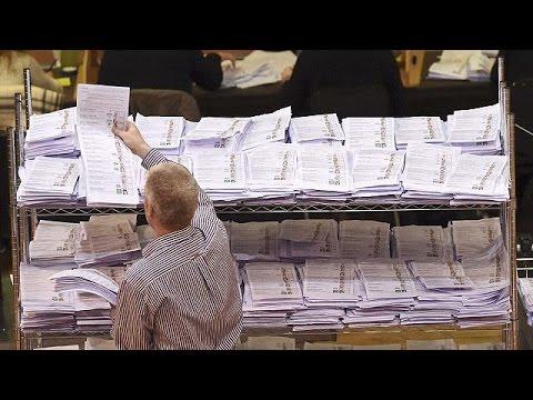 Ιρλανδία: Σε ρόλο ρυθμιστή το Σιν Φέιν του Τζέρι Άνταμς