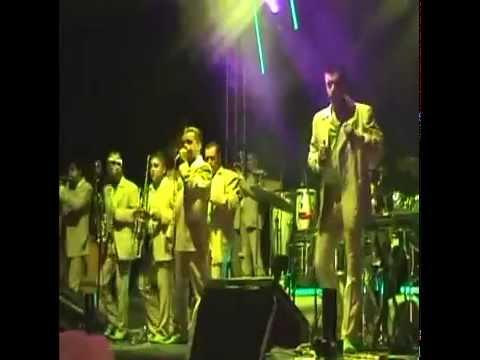 alvaro obregon michoacan - celebracion de la fiesta de San Bartolome , la quema del Castillo y El baile de la Banda Pelillos.