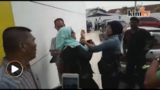 Video Kecoh 'flashmob' AMK sambut Najib MP3, 3GP, MP4, WEBM, AVI, FLV Mei 2018