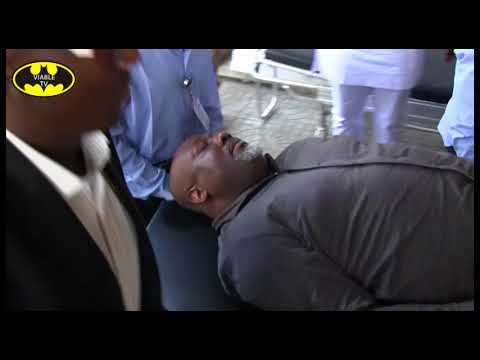 Dino Melaye Injured In An Attempt To Escape, Rushed To Hospital (видео)