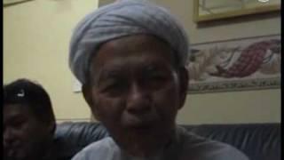 Download lagu Nik Aziz Menangis Dengar Nyanyian Amy Mp3