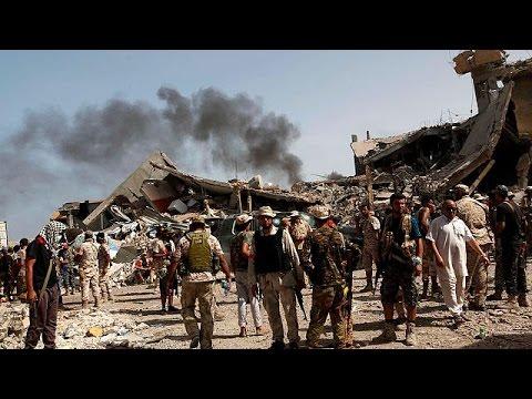 Λιβύη: Στο χείλος της αβύσσου πέντε χρόνια μετά την πτώση του καθεστώτος Καντάφι