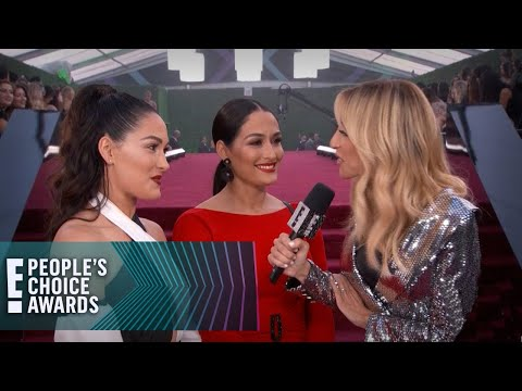 Nikki & Brie Bella Challenge the Kardashians to a Wrestling Match | E! People's Choice Awards