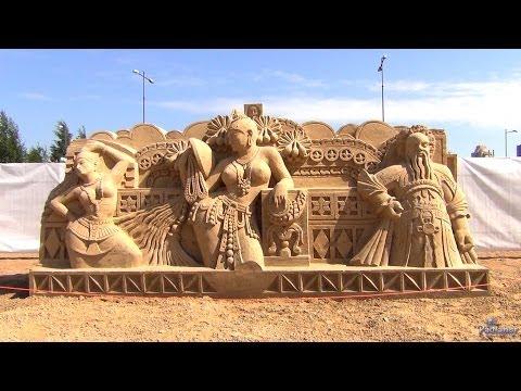 Festival peschanyh skulptur «Peschanyj zamok: Mirovaia kollekciia»