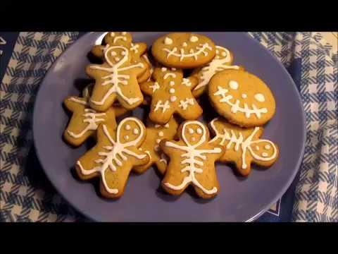 Bizcochos hombrecitos de jengibre esqueletro Halloween/ Gingerbread man biscuits for Halloween