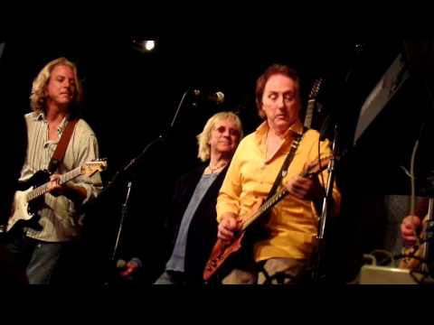 Denny Laine Mamunia, No Words, Helen Wheels Wings Band On The Run Live