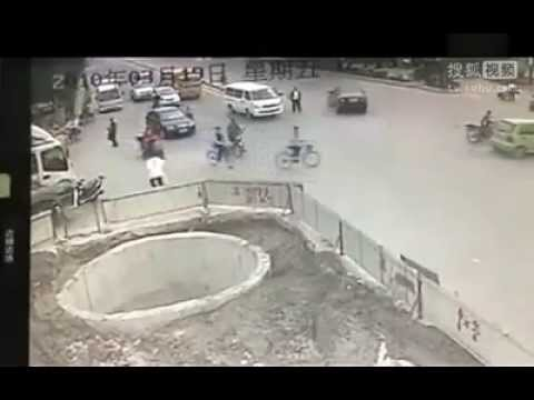 accident - Funny Road Accidents, Road Accidents, Road Safety, Traffic Rules, Traffic Signs, Speeding, Speed, Car, Bike, Motorcycle, Four Wheeler, Two Wheeler, Cycle, Bi...