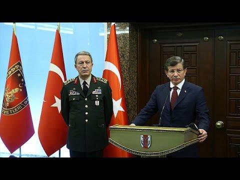 Τουρκία: Τους Κούρδους της Συρίας και το ΠΚΚ υπέδειξε ο Νταβούτογλου για το χτύπημα στην Άγκυρα