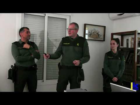 Charla de la Guardia Civil en La Redondela al colectivo de personas mayores