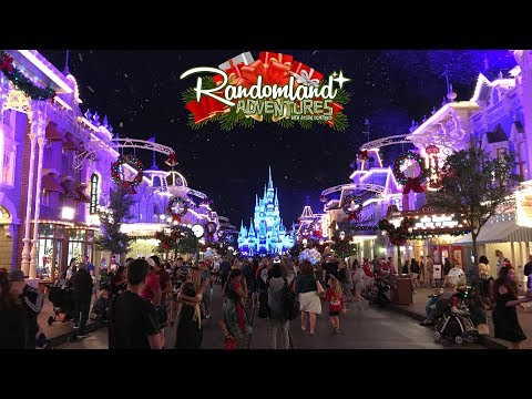 It's Christmas at Disney World! Mickey's Very Merry Party!