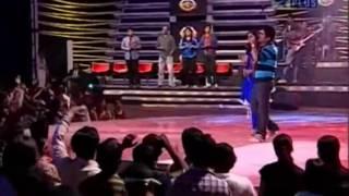 Video Shreya Ghoshal & Abhaas Singing Wada Raha from movie khakee MP3, 3GP, MP4, WEBM, AVI, FLV Juni 2018