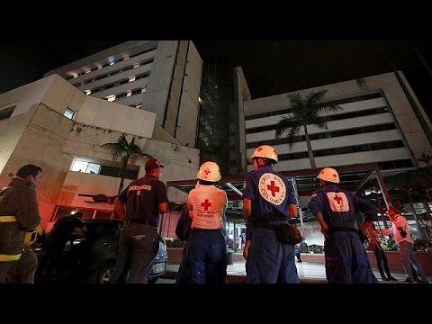Εκουαδόρ: 7,8 Ρίχτερ σκορπούν τον τρόμο και τον θάνατο