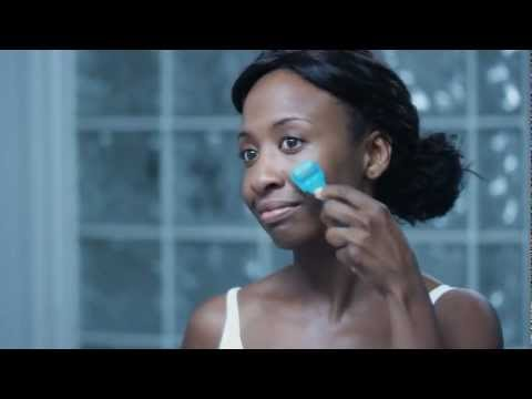 Rodan and Fields Dermatologists- Learn How to Use Your AMP MD Roller