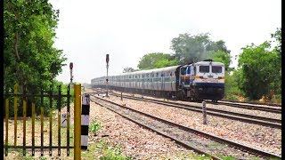 Nonton EMD KING WDP4D Knocks Dhanakya with 12991 Udaipur City - Jaipur Intercity Express Film Subtitle Indonesia Streaming Movie Download
