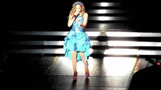 "Download Lagu Leona Lewis ""Happy"" live in The O2, Dublin, June 29th Mp3"