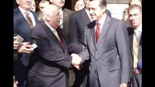 Türkiye'nin 9. Cumhurbaşkanı Süleyman Demirel hayatını kaybetti. Demirel, 7 yıl cumhurbaşkanlığı yaparken 7 farklı hükümette görev aldı ve 10 yıldan fazla başbakanlık yaptı.Ama hafızalarda genellikle kurduğu efsane sözlerle kaldı.