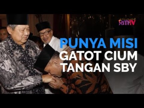 Punya Misi, Gatot Cium Tangan SBY