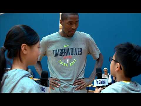 KID REPORTERS WITH JAMAL CRAWFORD