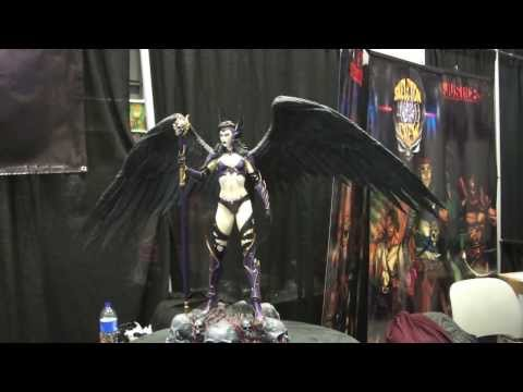 Angel of Darkness at NYCC 2013