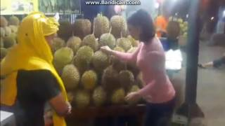 Download Lagu video lucu Lawak Batak ( Jual Durian ) Mp3