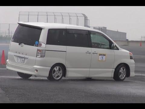 Toyota Noah и Toyota Voxy - это одно и то же