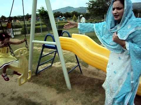 fatima jinnah park - Sahar Fatima and Sana phool in f9 fatima jinnah park islamabad 7oct 2011.
