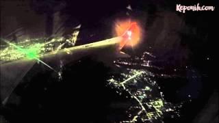 Video Laser pointer dillihat dari jendela penumpang pesawat MP3, 3GP, MP4, WEBM, AVI, FLV Desember 2017