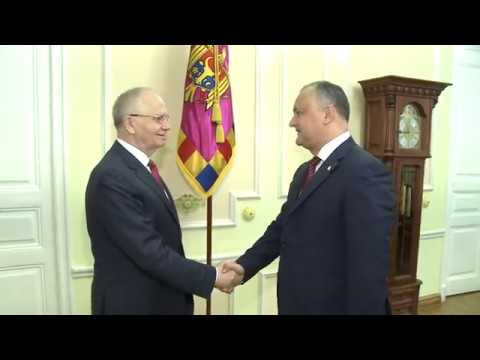 President of Moldova Igor Dodon met with the Extraordinary and Plenipotentiary Ambassador of the Russian Federation to the Republic of Moldova, Farit Mukhametshin.