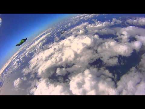 0 Une course de Wingsuit Racing