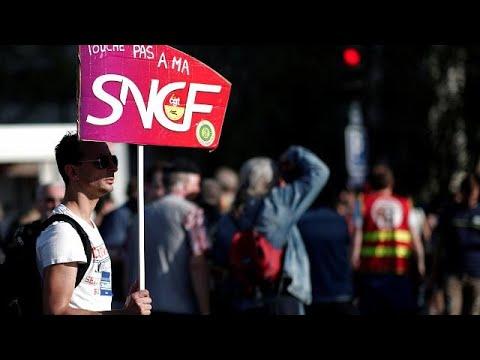 Γαλλία: Χάος στις μετακινήσεις λόγω απεργιών