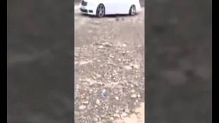 Son Model Mercedesi Benzin Döküp Yakıyor Adam