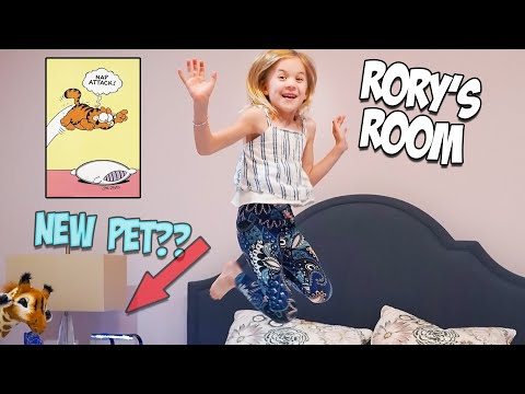 RORY MOVES OUT!! ROOM TOUR AND NEW PET SURPRISE!!