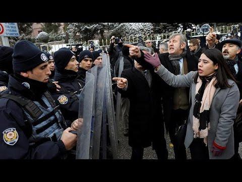 Άγκυρα: Ένταση έξω από την Εθνοσυνέλευση για τις συνταγματικές αλλαγές
