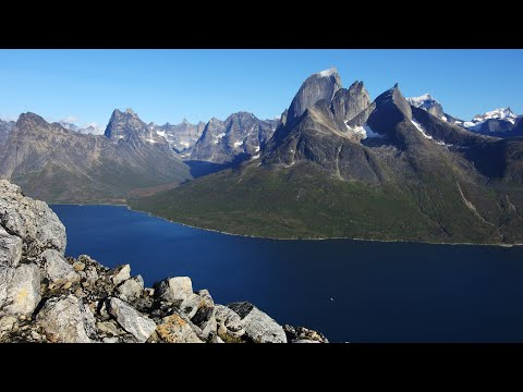 Southern Greenland: from Tasermiut fjord (Klosterdalen valley) to Aappilattoq settlement