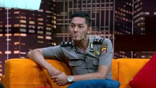 Video HITAM PUTIH - POLISI MANTAN AKTOR (10/5/17) 4-2 MP3, 3GP, MP4, WEBM, AVI, FLV Juni 2018