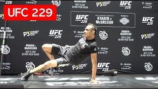 TONY FERGUSON BREAKDANCES DURING UFC 229 OPEN WORKOUT