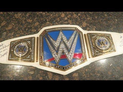WWE SMACKDOWN WOMEN'S REPLICA TITLE REVIEW