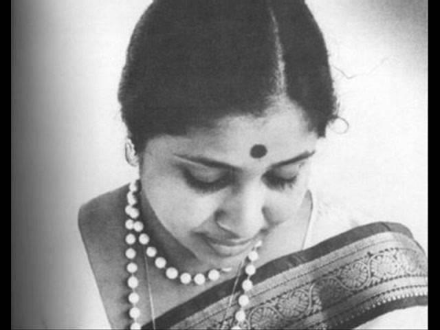Lyric of Marathi song Ruperi Valut Madanchya - Kalakar